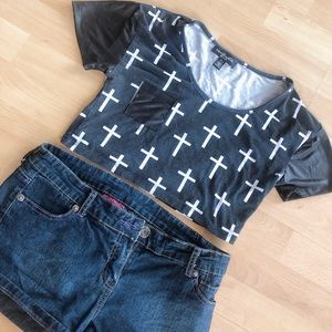 Edgy croptop with crosses and faux leather details